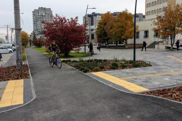 Оновлено простір навпроти 4-ої міської поліклініки