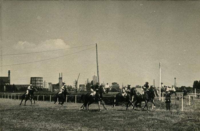 Три сихівські іподроми в історії і фото
