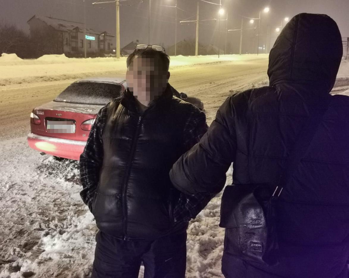 В Сихівському районі затримали наркоторговця. Фото