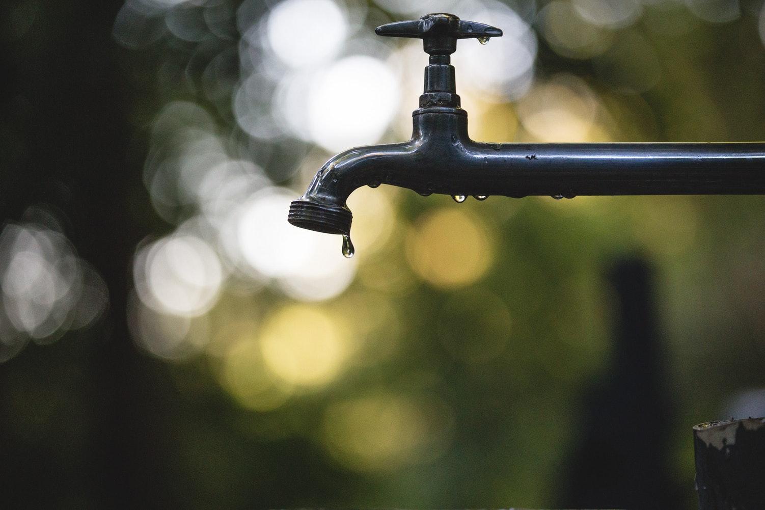 Більше 10 вулиць Сихова залишиться без води