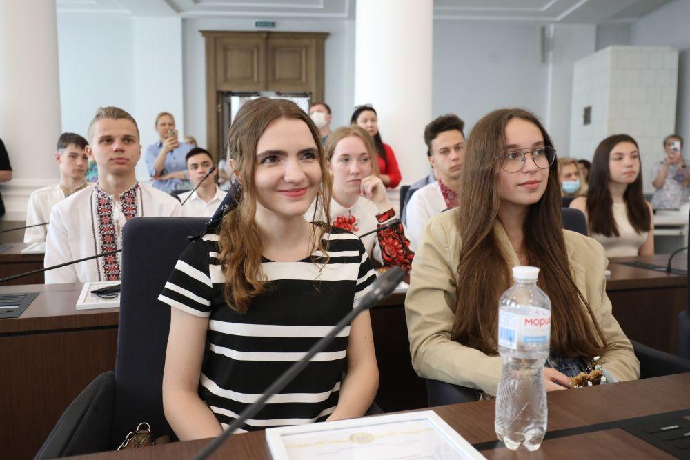 Шестеро сихівчан отримали 200 балів на ЗНО-2021