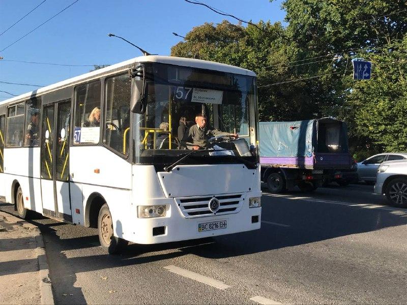 Сихівський автобус № 57 і ще частина транспорту тимчасово змінять маршрут